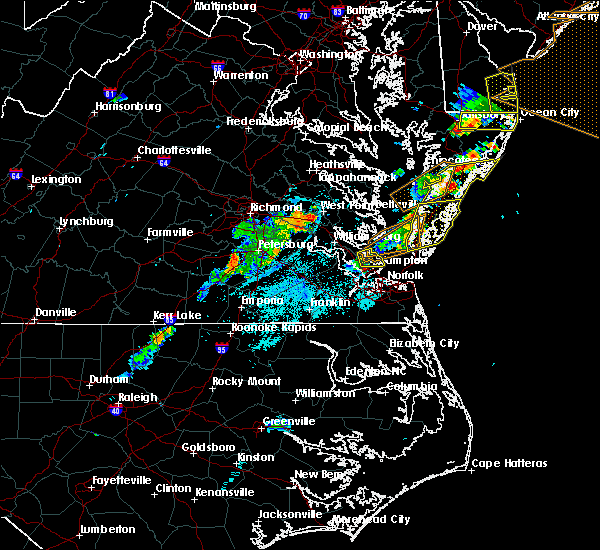 Radar Image for Severe Thunderstorms near Newport News, VA at 7/17/2019 9:30 PM EDT