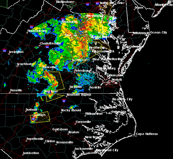 Radar Image for Severe Thunderstorms near Colonial Heights, VA at 6/20/2015 8:58 PM EDT