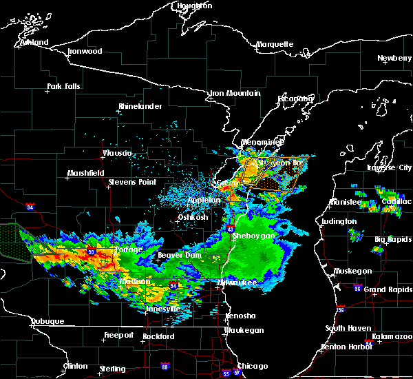 Radar Image for Severe Thunderstorms near Sturgeon Bay, WI at 7/19/2019 3:47 AM CDT