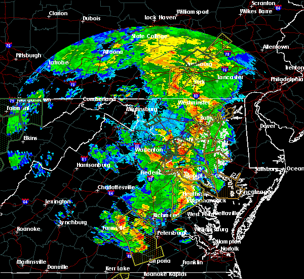 Radar Image for Severe Thunderstorms near Colonial Beach, VA at 6/20/2015 9:25 PM EDT