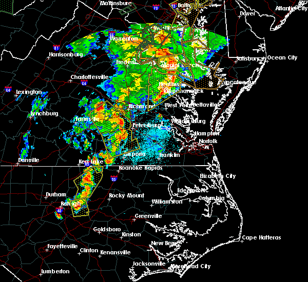 Radar Image for Severe Thunderstorms near King and Queen Court House, VA at 6/20/2015 9:27 PM EDT