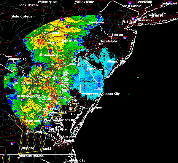 Radar Image for Severe Thunderstorms near Broomes Island, MD at 6/20/2015 9:35 PM EDT