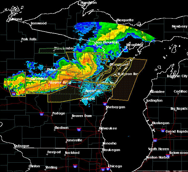 Radar Image for Severe Thunderstorms near Howard, WI at 7/19/2019 9:11 PM CDT