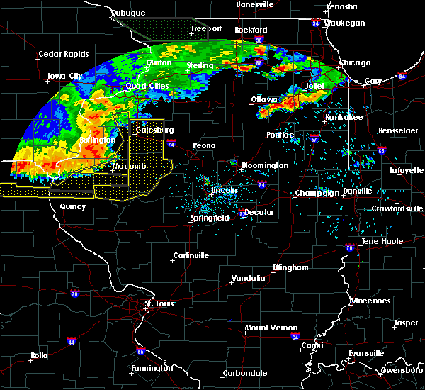 Radar Image for Severe Thunderstorms near Galesburg, IL at 6/20/2015 8:42 PM CDT