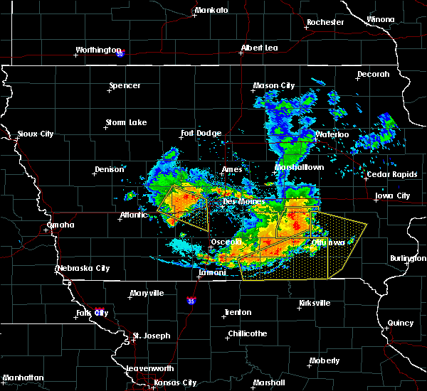 Radar Image for Severe Thunderstorms near Eddyville, IA at 7/20/2019 6:51 PM CDT