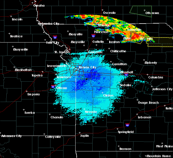 Radar Image for Severe Thunderstorms near Kirksville, MO at 6/20/2015 9:50 PM CDT