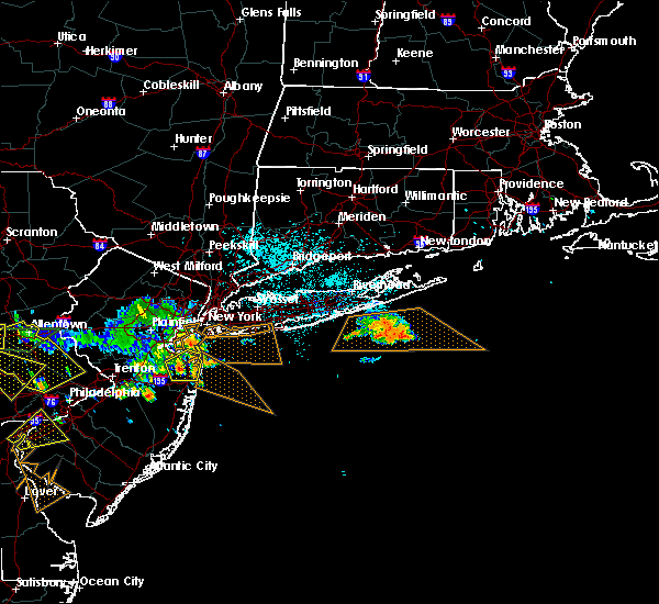 Radar Image for Severe Thunderstorms near Bethpage, NY at 7/21/2019 11:09 PM EDT