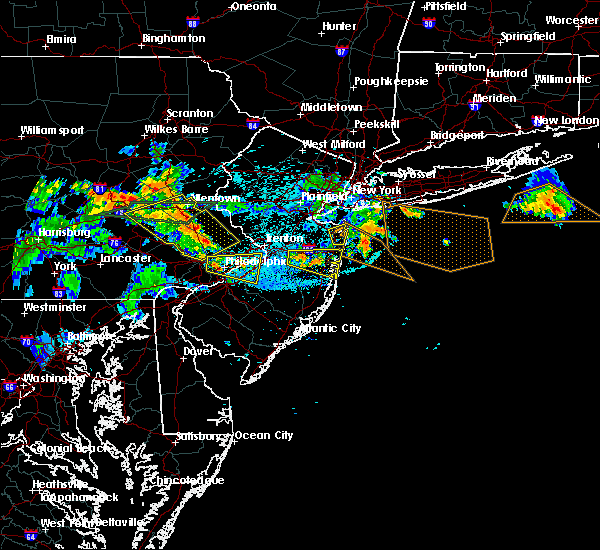 Radar Image for Severe Thunderstorms near Burlington, NJ at 7/21/2019 11:34 PM EDT