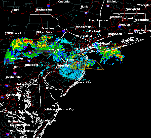Radar Image for Severe Thunderstorms near Browns Mills, NJ at 7/22/2019 12:38 AM EDT