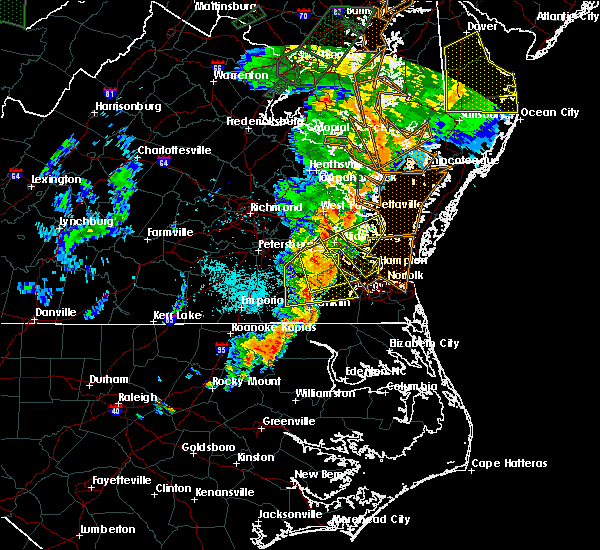 Radar Image for Severe Thunderstorms near Newport News, VA at 6/20/2015 11:10 PM EDT