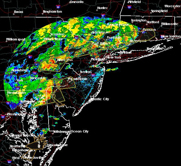Radar Image for Severe Thunderstorms near Upper Stewartsville, NJ at 7/22/2019 5:10 PM EDT