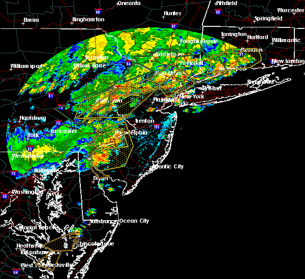 Radar Image for Severe Thunderstorms near Clayton, NJ at 7/22/2019 5:43 PM EDT