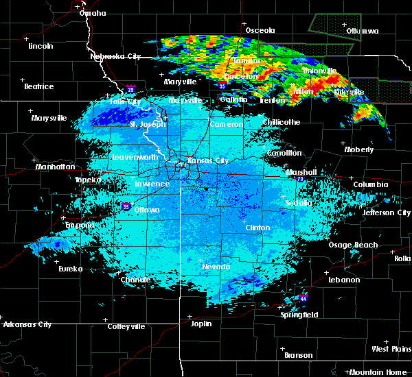 Radar Image for Severe Thunderstorms near Kirksville, MO at 6/20/2015 11:18 PM CDT