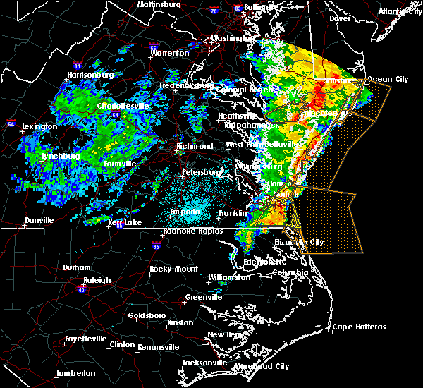 Radar Image for Severe Thunderstorms near Chesapeake, VA at 6/21/2015 12:36 AM EDT