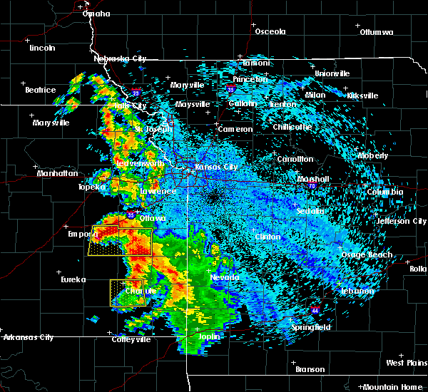 Radar Image for Severe Thunderstorms near St. Paul, KS at 8/1/2019 12:23 AM CDT