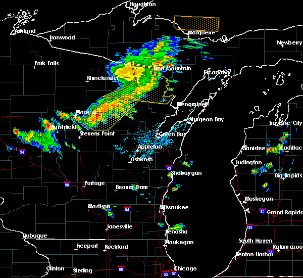 Radar Image for Severe Thunderstorms near Pembine, WI at 8/5/2019 2:35 PM CDT