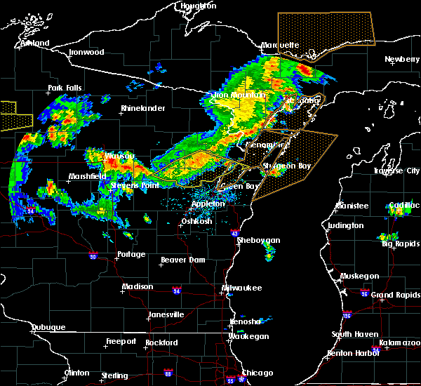 Radar Image for Severe Thunderstorms near Abrams, WI at 8/5/2019 3:28 PM CDT