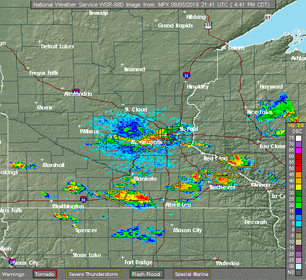 Radar Image for Severe Thunderstorms near Rochester, MN at 8/5/2019 4:42 PM CDT