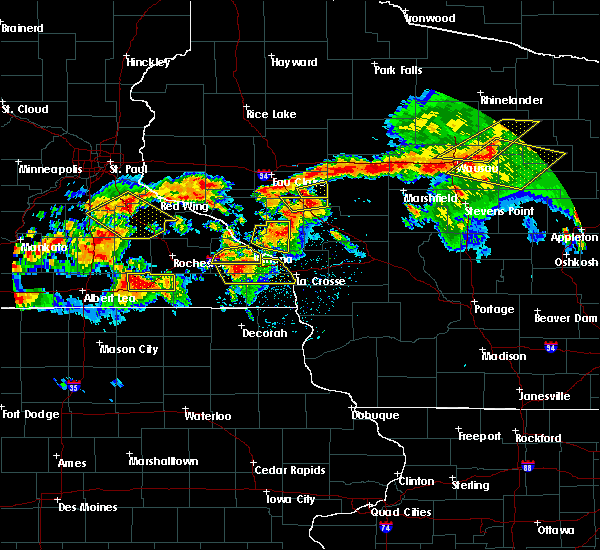 Radar Image for Severe Thunderstorms near Fairchild, WI at 8/5/2019 5:43 PM CDT