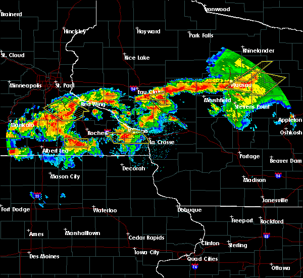 Radar Image for Severe Thunderstorms near Humbird, WI at 8/5/2019 5:51 PM CDT