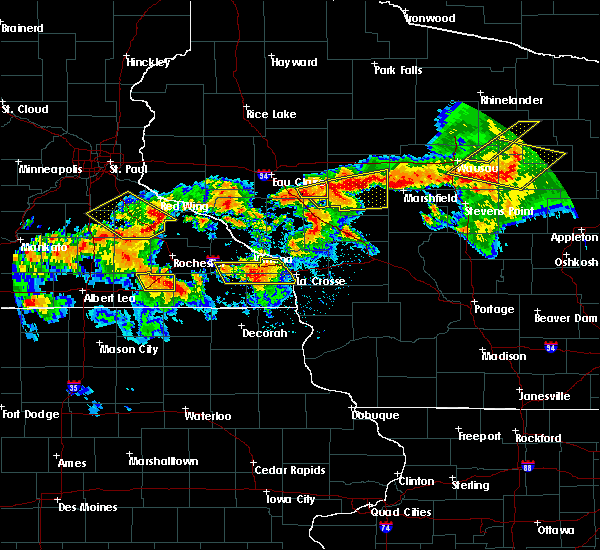 Radar Image for Severe Thunderstorms near Fairchild, WI at 8/5/2019 5:59 PM CDT