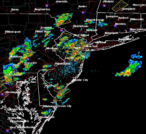 Radar Image for Severe Thunderstorms near Englishtown, NJ at 8/7/2019 2:33 PM EDT