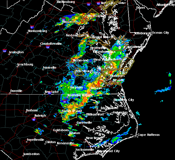 Radar Image for Severe Thunderstorms near Newport News, VA at 8/7/2019 4:04 PM EDT