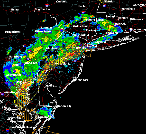 Radar Image for Severe Thunderstorms near Englishtown, NJ at 8/7/2019 5:06 PM EDT