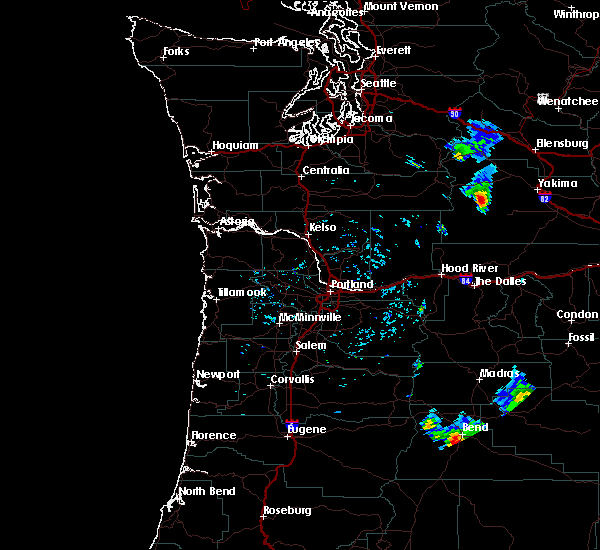 Radar Image for Severe Thunderstorms near Tumalo, OR at 8/8/2019 4:05 PM PDT