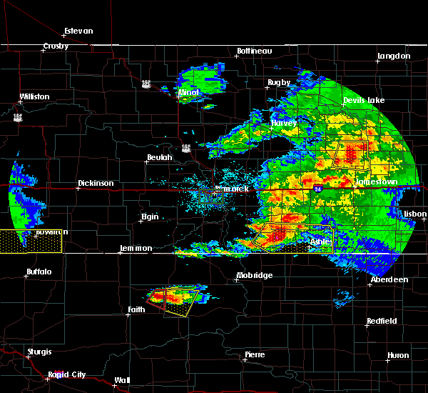 Radar Image for Severe Thunderstorms near Green Grass, SD at 6/21/2015 9:31 PM MDT