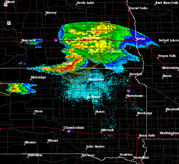 Radar Image for Severe Thunderstorms near Fullerton, ND at 6/21/2015 11:14 PM CDT