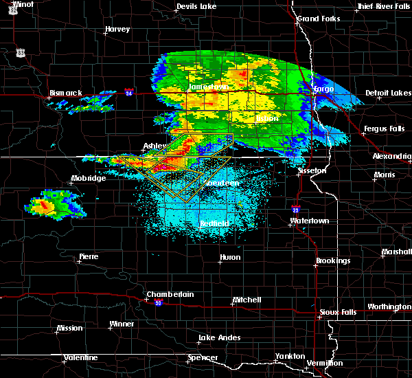 Radar Image for Severe Thunderstorms near Fullerton, ND at 6/21/2015 11:39 PM CDT