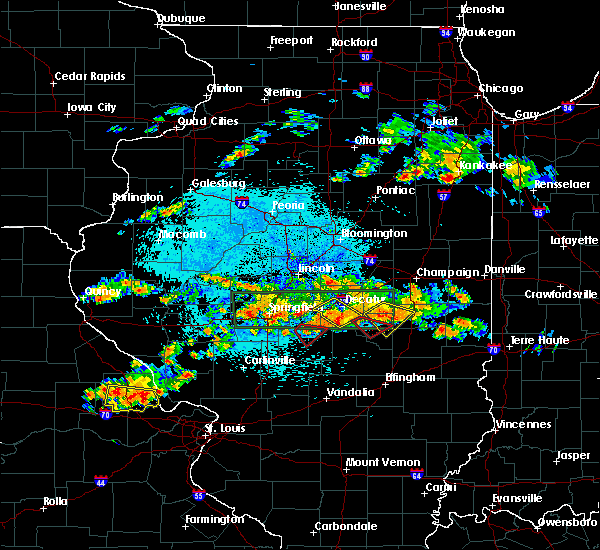 Radar Image for Severe Thunderstorms near Taylorville, IL at 8/12/2019 9:25 PM CDT