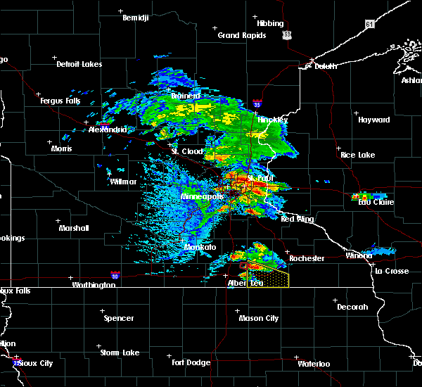 Radar Image for Severe Thunderstorms near St. Marys Point, MN at 8/13/2019 5:12 PM CDT