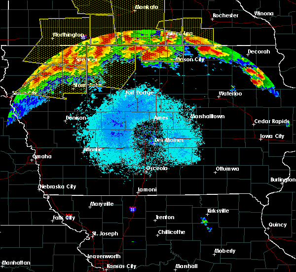 Radar Image for Severe Thunderstorms near Ayrshire, IA at 6/22/2015 6:02 AM CDT