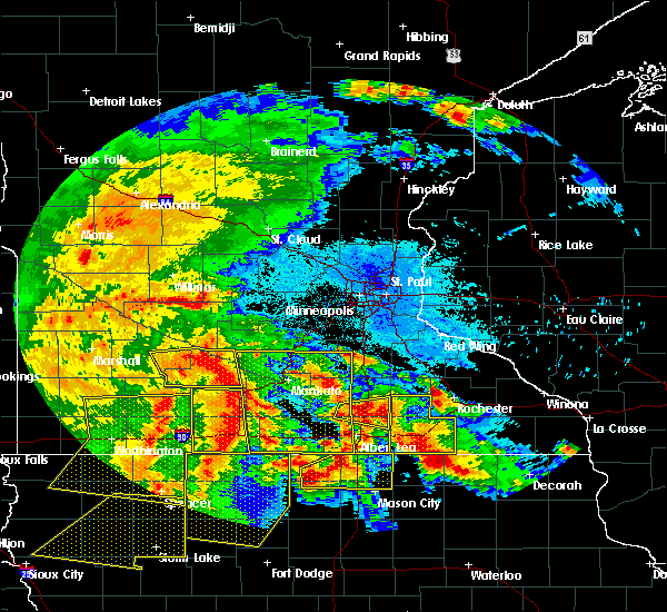 Radar Image for Severe Thunderstorms near Good Thunder, MN at 6/22/2015 6:03 AM CDT