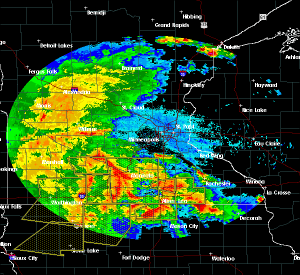 Radar Image for Severe Thunderstorms near Blooming Prairie, MN at 6/22/2015 6:09 AM CDT