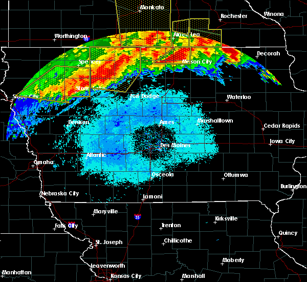 Radar Image for Severe Thunderstorms near Ruthven, IA at 6/22/2015 6:31 AM CDT