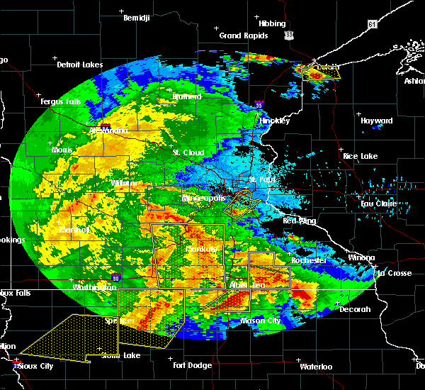 Radar Image for Severe Thunderstorms near Le Center, MN at 6/22/2015 6:34 AM CDT