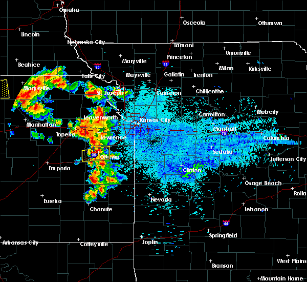 Radar Image for Severe Thunderstorms near Edwardsville, KS at 8/17/2019 12:39 AM CDT