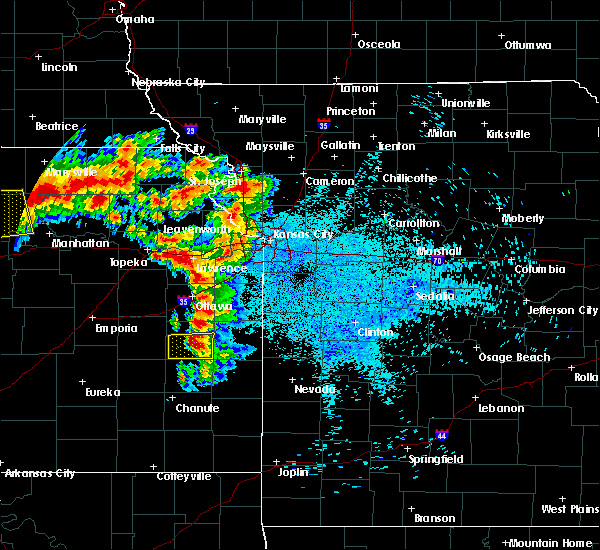 Radar Image for Severe Thunderstorms near Atchison, KS at 8/17/2019 1:06 AM CDT