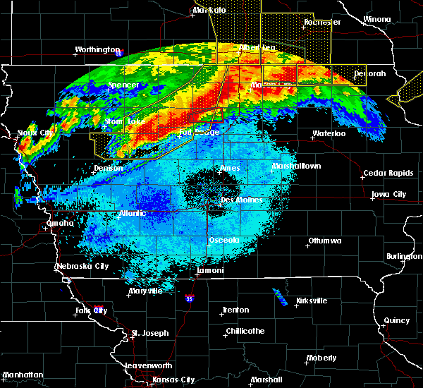 Radar Image for Severe Thunderstorms near Humboldt, IA at 6/22/2015 7:12 AM CDT