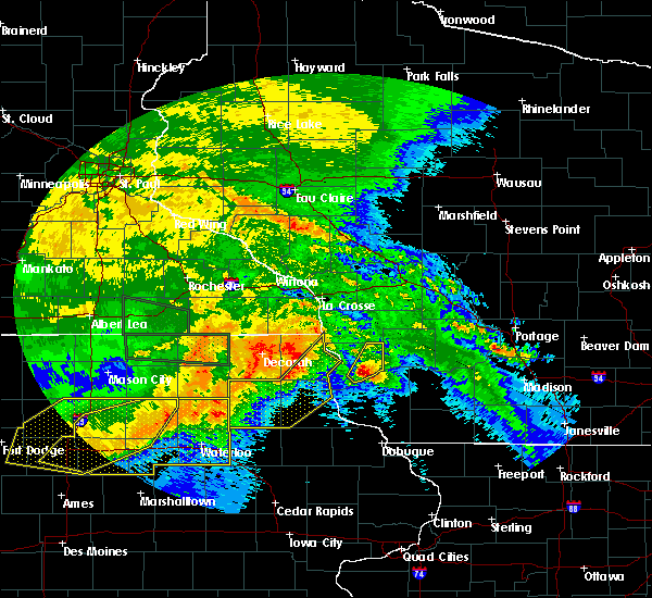 Radar Image for Severe Thunderstorms near Elgin, IA at 6/22/2015 8:01 AM CDT