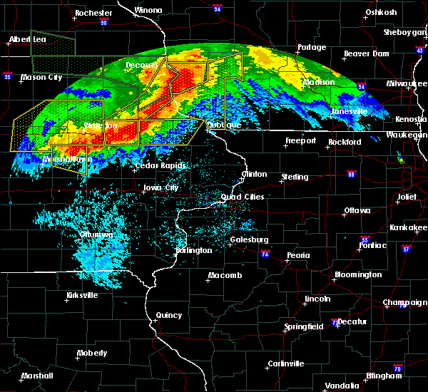 Radar Image for Severe Thunderstorms near Rowley, IA at 6/22/2015 8:42 AM CDT