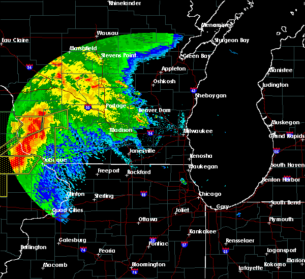 Radar Image for Severe Thunderstorms near Windsor, WI at 6/22/2015 9:03 AM CDT