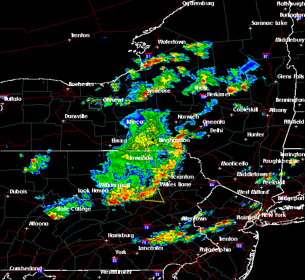Radar Image for Severe Thunderstorms near Oakland, PA at 8/18/2019 5:01 PM EDT