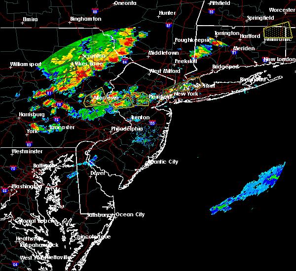 Radar Image for Severe Thunderstorms near Upper Stewartsville, NJ at 8/18/2019 6:00 PM EDT
