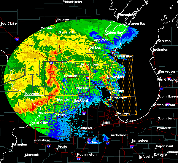Radar Image for Severe Thunderstorms near Evansville, WI at 6/22/2015 10:02 AM CDT