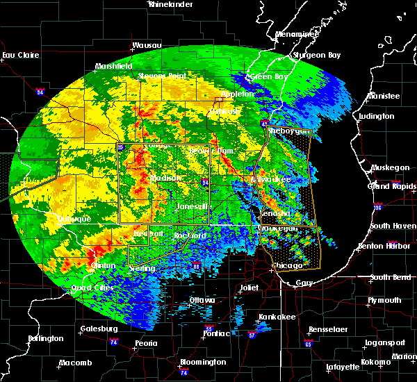 Radar Image for Severe Thunderstorms near Evansville, WI at 6/22/2015 10:19 AM CDT