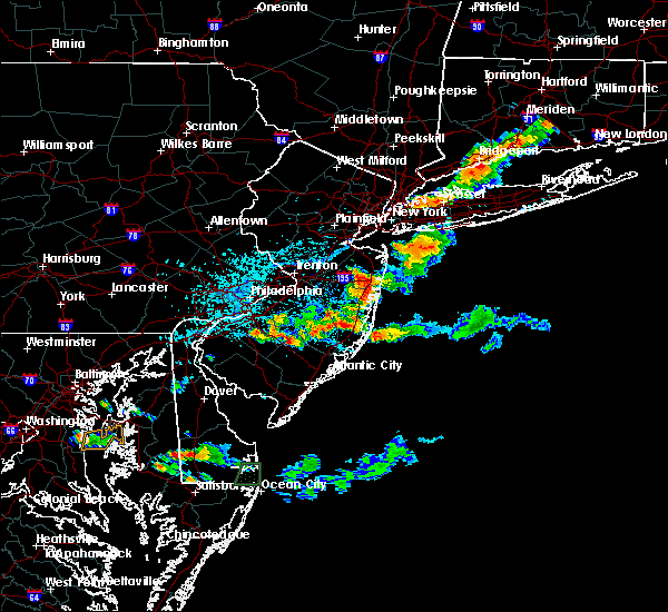 Radar Image for Severe Thunderstorms near Clayton, NJ at 8/19/2019 5:07 PM EDT